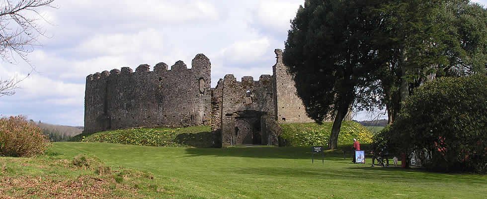 Lostwithiel with its castle ruins and historic buildings is a lovely place to stay and convenient for exploring the many attractions in Cornwall
