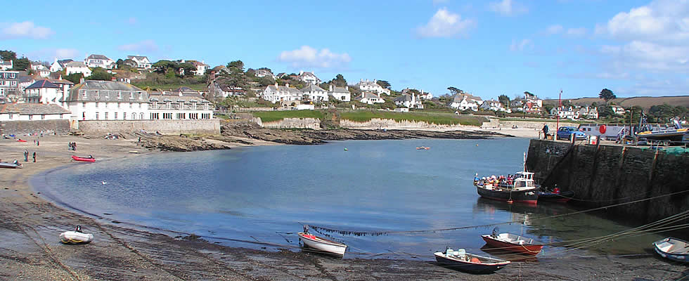 Its beautiful scenery and sandy beaches make the Roseland a popular area for tourists to Cornwall