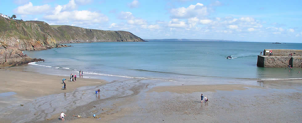 St Austell Bay is a popular holiday destination for those who enjoy outdoor leisure activities including watersports, fishing, walking and cycling